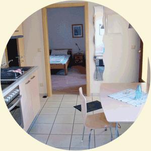 Blick Küche / Schlafzimmer